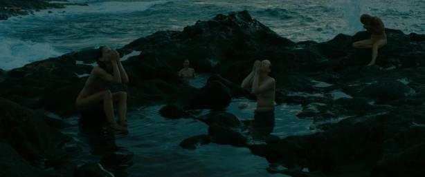 Julie Marie Parmentier nude Roxane Durane nude wet - Evolution (FR-2016) HD 1080p BluRay (8)