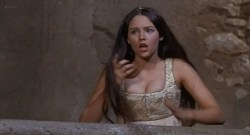 Olivia Hussey nude topless - Romeo and Juliet (1968) HD 1080p BluRay (7)