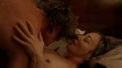 Jane Adams nude topless and sex and Gugu Mbatha-Raw hot and wet - Easy (2016) s1e7 HD 720p (4)