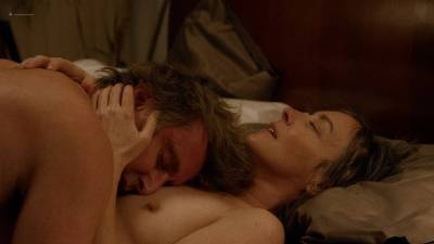 Jane Adams nude topless and sex and Gugu Mbatha-Raw hot and wet - Easy (2016) s1e7 HD 720p (3)