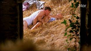 Marie Matheron nude topless, bush and sex – Le grand chemin (FR-1987) HDTV 1080p