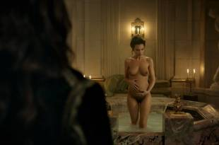 Anna Brewster nude full frontal – Versailles (2017) s2e1 HD 1080p