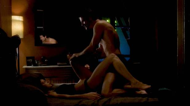 Ashley Judd hot and sexy some sex Twisted (2004) HD 720p WEB (2)