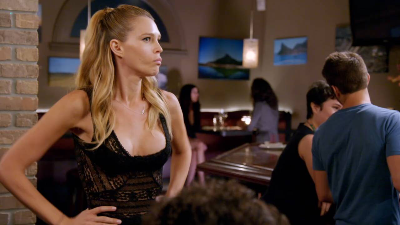 Erin Foster and Sara Foster hot and sexy - Barely Famous (2016) s2 HDTV 720p (1)