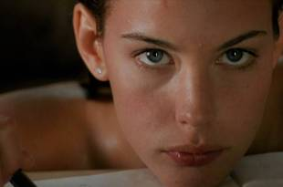 Liv Tyler nude topless and sex Rachel Weisz nude - Stealing Beauty (1996) HD 720p WEB (6)