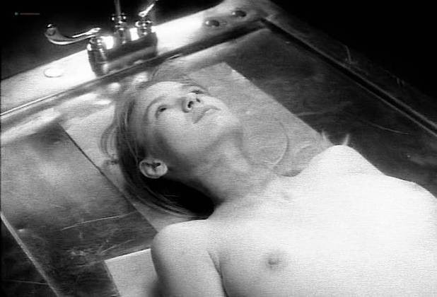 Tina Bockrath nude topless - Tales from the Crypt (1991) s3e4 (4)