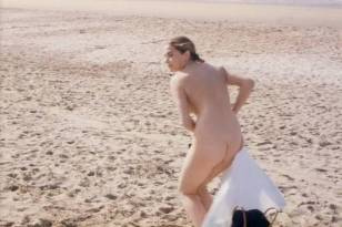 Valerie Allain nude butt and brief boobs - Alouette je te plumerai (FR-1988)