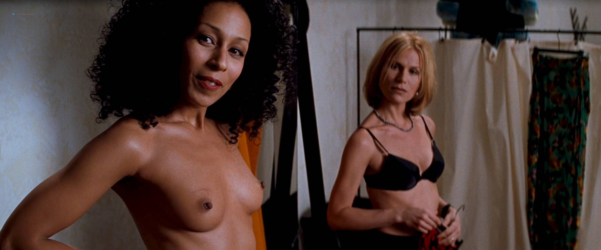 Charlize Theron nude full frontal Connie Nielsen nude bush - The Devil's Advocate (1997) HD 1080p BluRay (15)