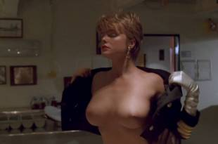 Erika Eleniak nude topless – Under Siege (1992) HD 1080p BluRay