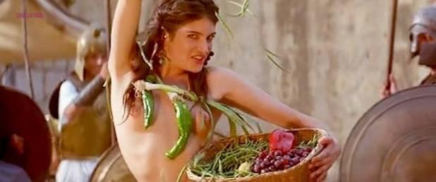 Maribel Verdú hot Marina Gatell nude Cristina Solá and Gloria Cano nude too - Lisístrata (ES-2002) (4)