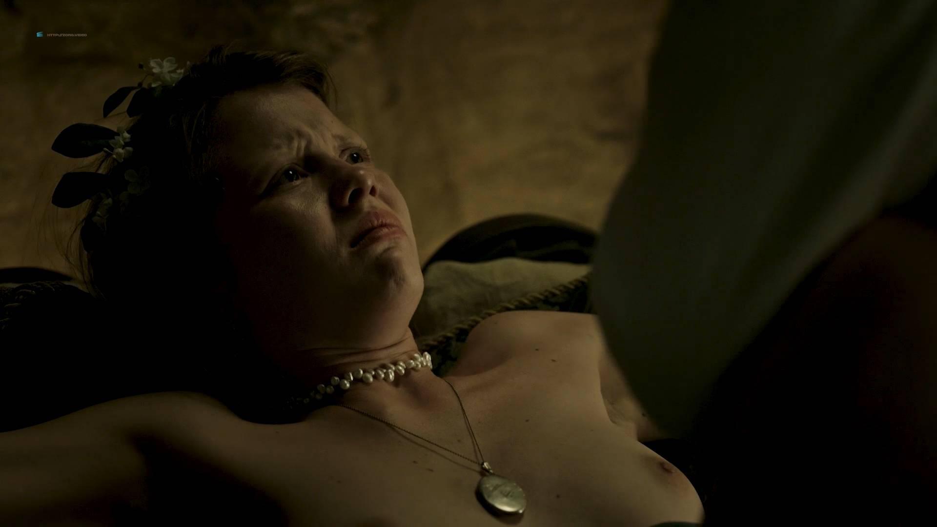 Nackt  Sarah Manninen Nude Celebrities