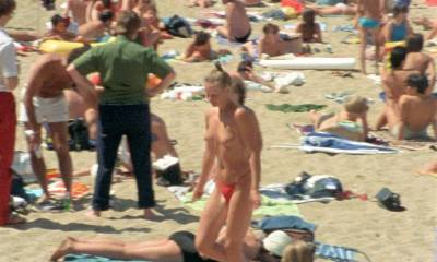 Paulette Christlein nude topless and cute - Le rayon vert (FR-1986) HD 720p (7)