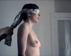 Valérie Donzelli nude full frontal - La reine des pommes (FR-2009) (4)