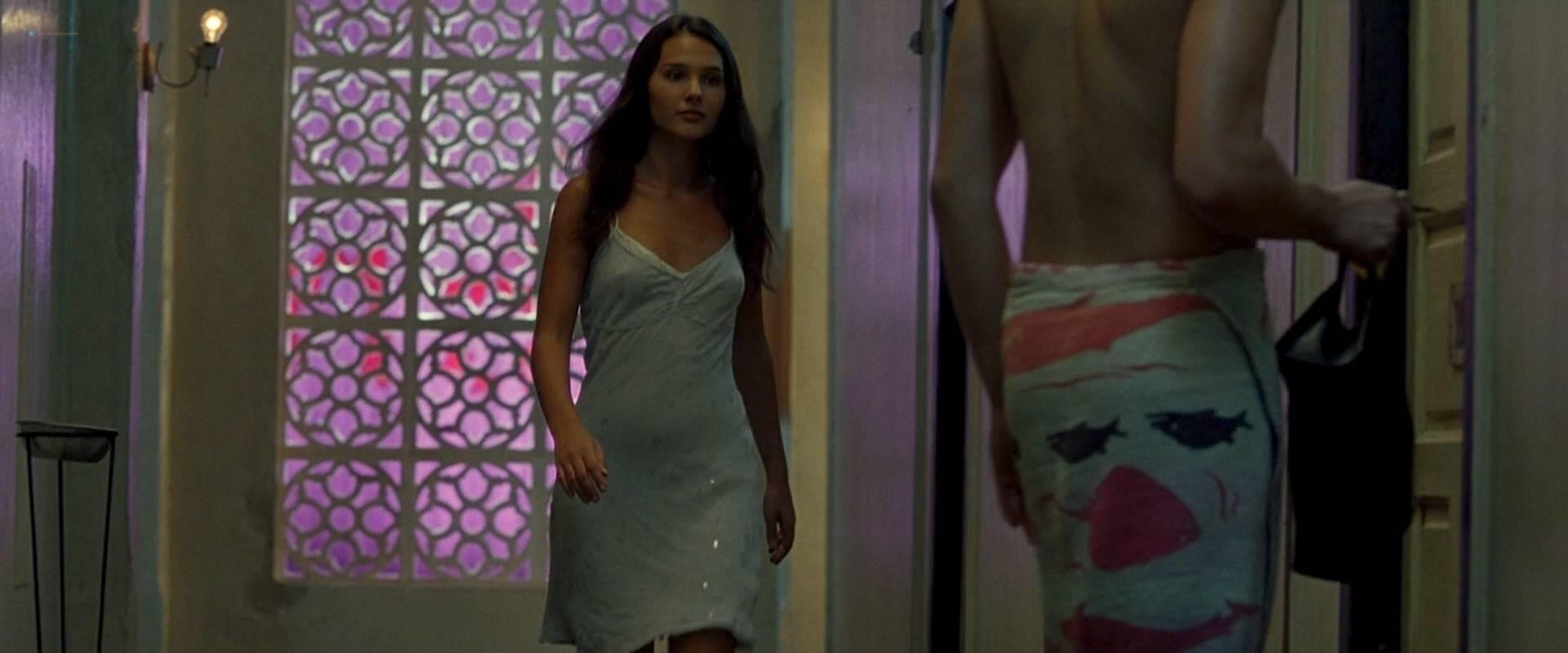 Virginie Ledoyen nude topless Tilda Swinton hot sex - The Beach (2000) HD 1080p BluRay (18)