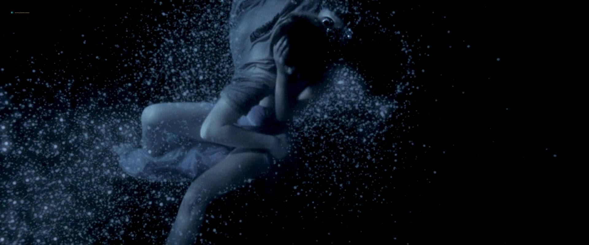 Virginie Ledoyen nude topless Tilda Swinton hot sex - The Beach (2000) HD 1080p BluRay (11)
