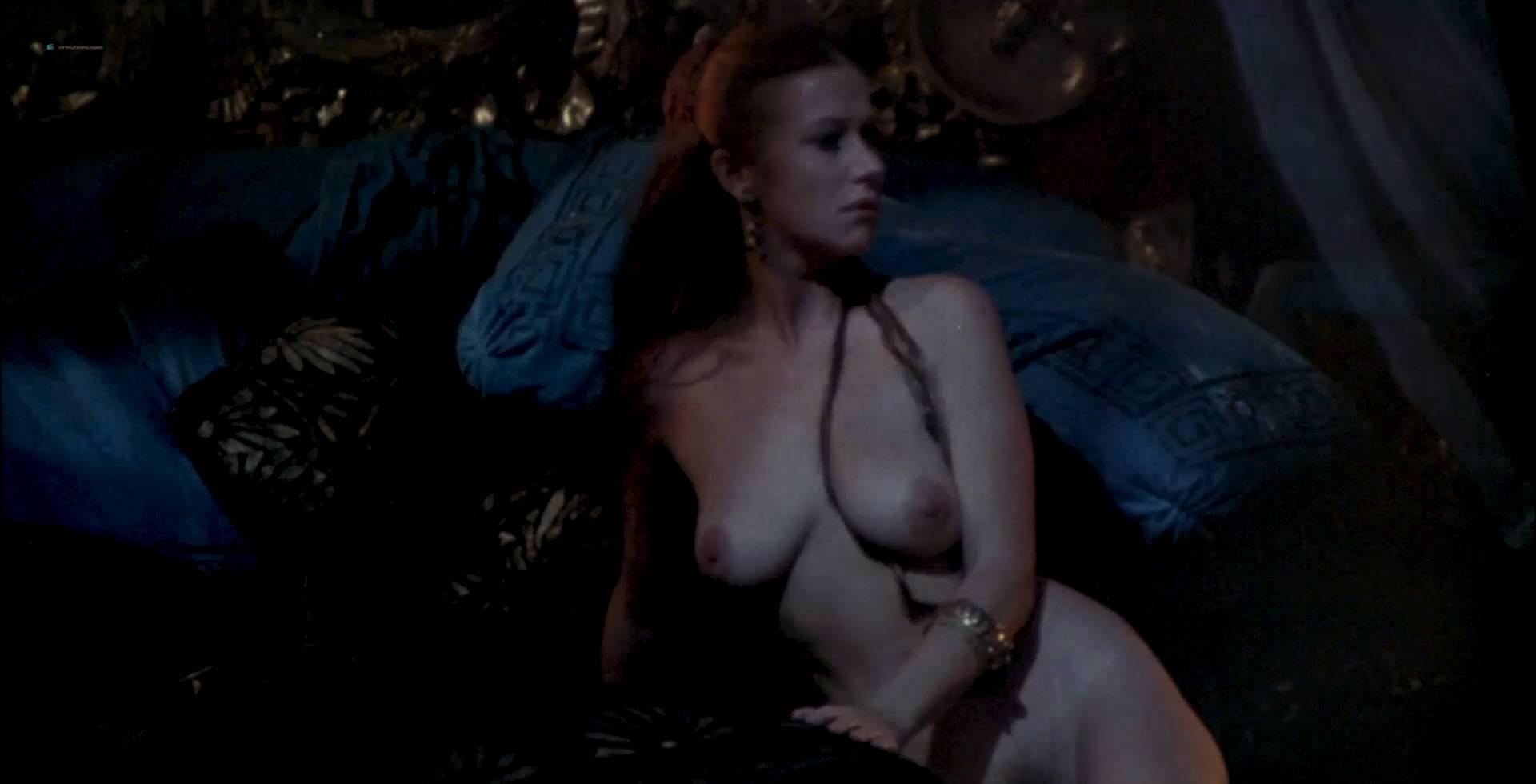 helen-mirren-nude-bra-cousin-blowjob-me
