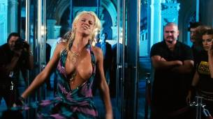 Jenny McCarthy nude topless - Dirty Love (2005) HD 720p WEB (11)