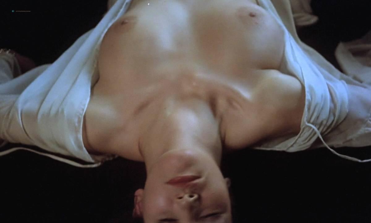 Mariana Karr nude full frontal Sandra Alberti nude sex - Escalofrío (ES-1978) HD 720p (18)
