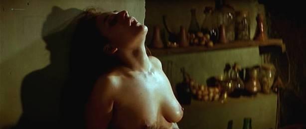 Maribel Verdú nude bush Candela Peña nude sex Penelope Cruz hot - La Celestina (ES-1996) (17)