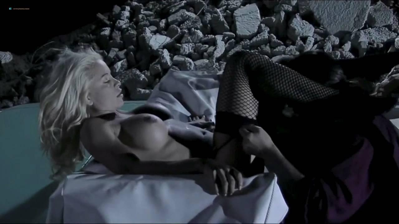 Vanina Verdun Penia nude bush and lot of hot sex - She Alien (2009) HD 720p (6)