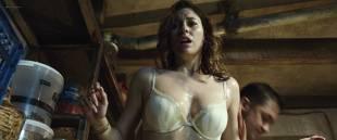 Blanca Suárez very hot, wet and oiled - El Bar (ES-2017) HD 1080p BluRay