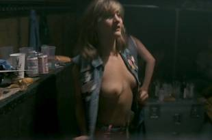 Jenny Wright nude topless Eleanor David nude – Pink Floyd – The Wall (1982) HDTV 1080p