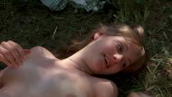 Jenny Wright nude topless sex outdoor - The World According to Garp (1982) HD1080p BluRay (2)
