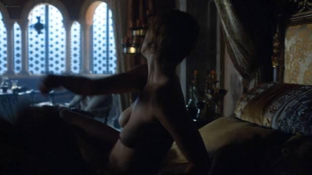 Lena Headey nude topless and butt - GoT (2017) s7e3 HD 1080p Web (5)