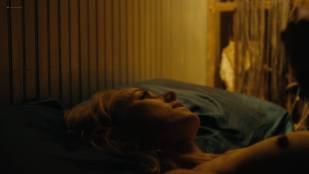 Naomi Watts nude sex Sophie Cookson nude topless and lesbian sex - Gypsy (2017) s1e1-7 HD 1080p Web
