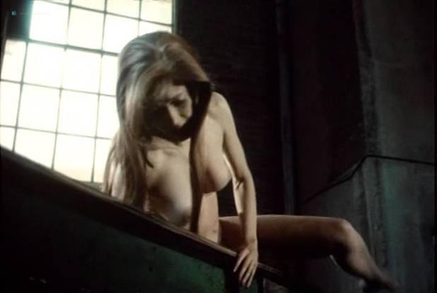 Sylvia Kristel nude bush and boobs - Naakt over de schutting (NL-1973) VHS (7)