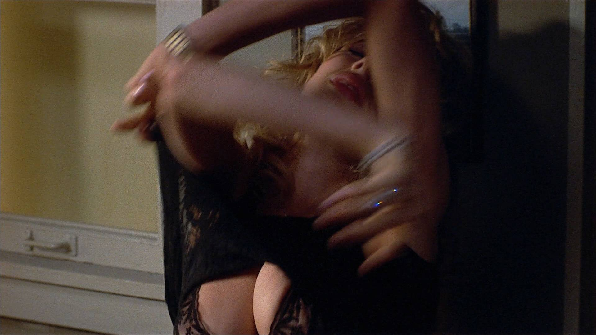 Alexandra Paul nude full frontal and Rosanna Arquette hot - 8 Million Ways to Die (1986) HD 1080p BluRay (4)