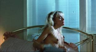Darlanne Fluegel nude brief topless - Freeway (1988) HD 1080p BluRay