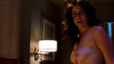 Davie-Blue nude topless - Room 104 (2017) s1e2 HD 1080p Web (2)