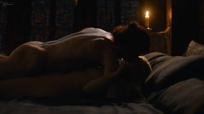 Emilia Clarke nude nip slip in brief sex scene - Game of Thrones (2017) s7e7 HD 1080p (6)