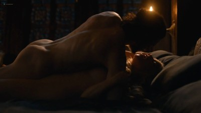 Emilia Clarke nude nip slip in brief sex scene - Game of Thrones (2017) s7e7 HD 1080p (5)