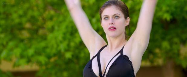 Alexandra Daddario hot and wet Kate Upton hot cleavage - The Layover (2017) HD 1080p Web (13)
