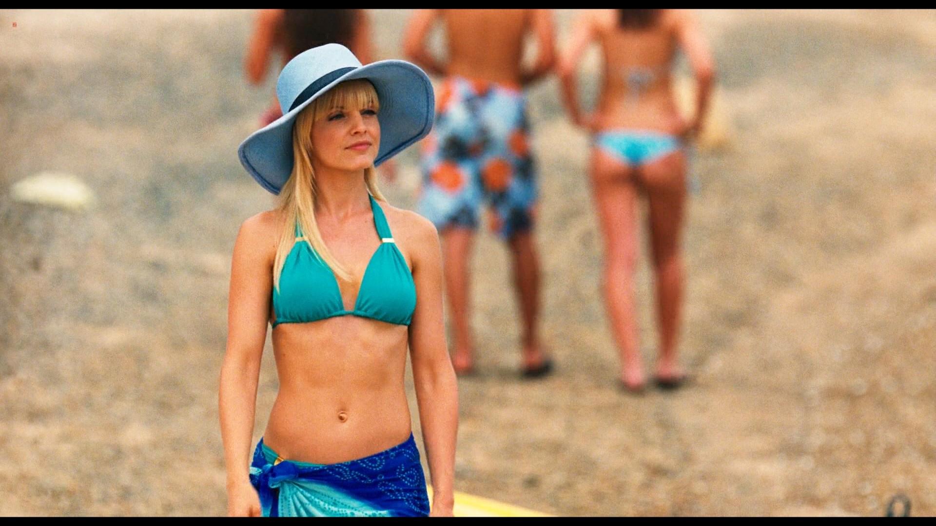 Ali Cobrin Nude Topless Katrina Bowden And Mena Suvari -6268