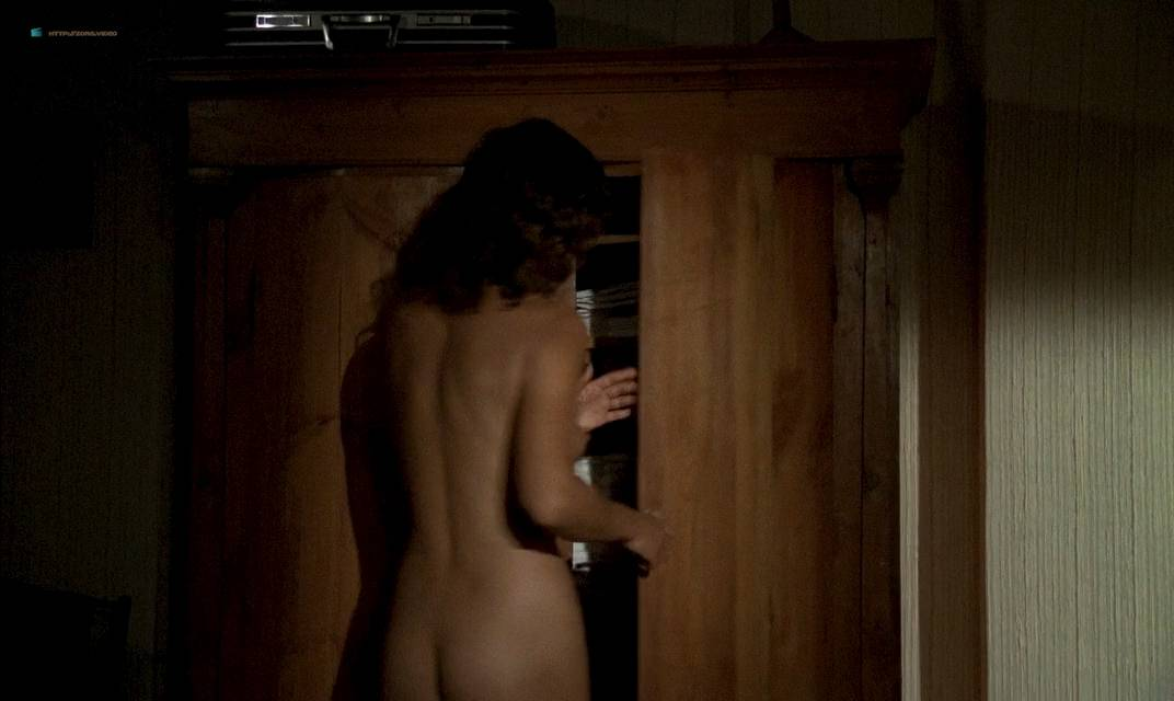 Anne Parillaud nude full frontal Marie-Christine Descouard bush and Andréa Ferréol topless - Le battant (FR-1983) (17)