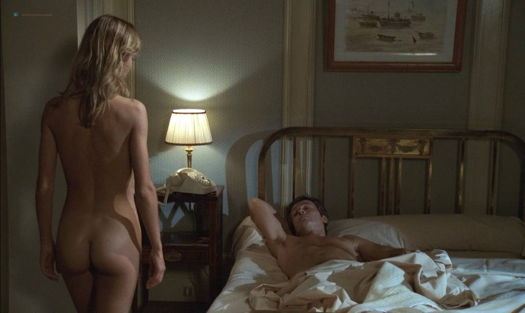 Anne Parillaud nude full frontal Marie-Christine Descouard bush and Andréa Ferréol topless - Le battant (FR-1983) (4)