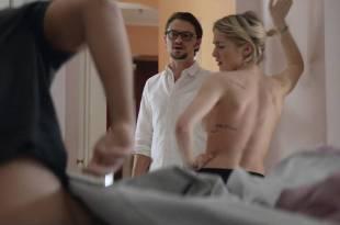 Ashley Benson hot Addison Timlin nude side boob – Chronically Metropolitan (2016) HD 1080p