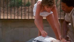 Kristy McNichol sexy nip slip - White Dog (1982) HD 1080p BluRay
