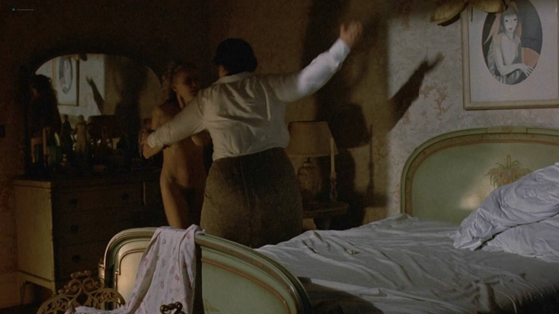 Cheryl Smith nude full frontal - Farewell, My Lovely (1975) HD 1080p BluRay (3)