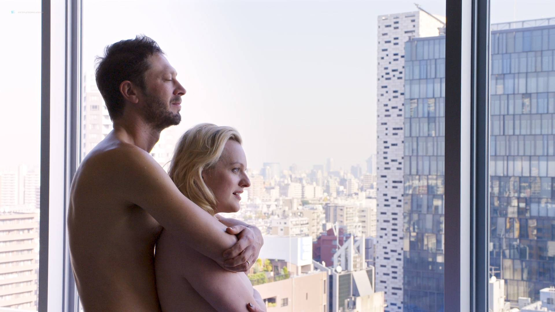 Elisabeth Moss hot some mild sex - Tokyo Project (2017) HD 1080p Web (4)