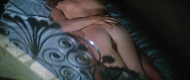 Isabelle Huppert nude butt and boobs - La femme de mon pote (FR-1983) HDTV 720p (5)