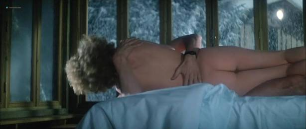 Isabelle Huppert nude butt and boobs - La femme de mon pote (FR-1983) HDTV 720p (3)