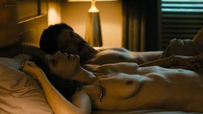 Maggie Gyllenhaal nude topless and sex Kayla Foster and Olivia Luccardi nude too - The Deuce (2017) s1e5 HD 1080p (11)