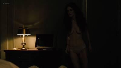 Maggie Gyllenhaal nude topless and sex Kayla Foster and Olivia Luccardi nude too - The Deuce (2017) s1e5 HD 1080p (6)