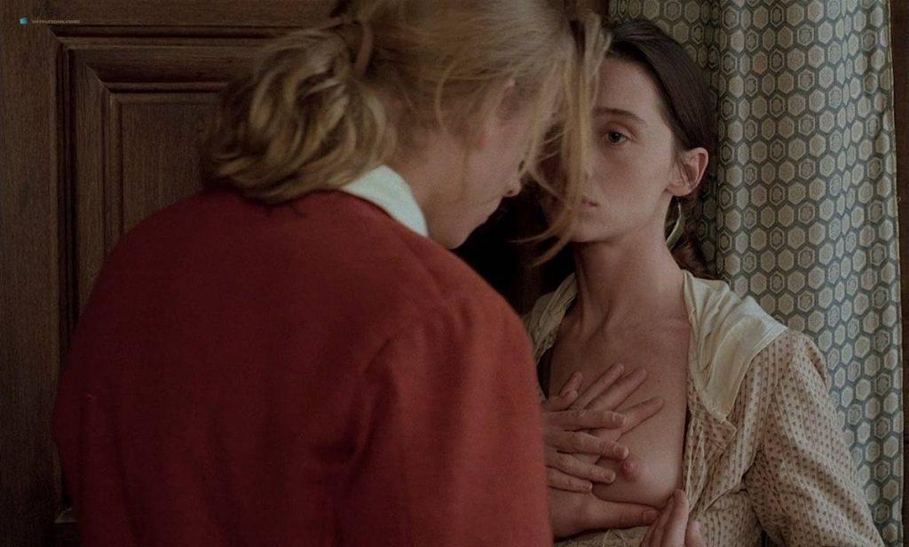 Anne Brochet nude full frontal and Carole Richert nude bush - Tous Les Matins Du Monde (FR-1991) HD 720p BluRay (10)