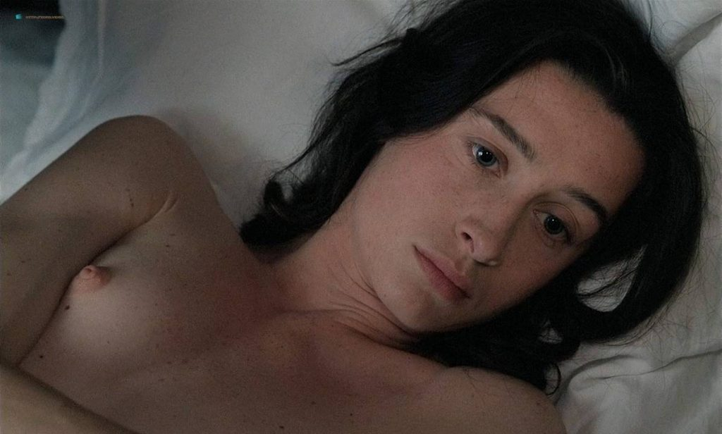 Anne Brochet nude full frontal and Carole Richert nude bush - Tous Les Matins Du Monde (FR-1991) HD 720p BluRay (8)