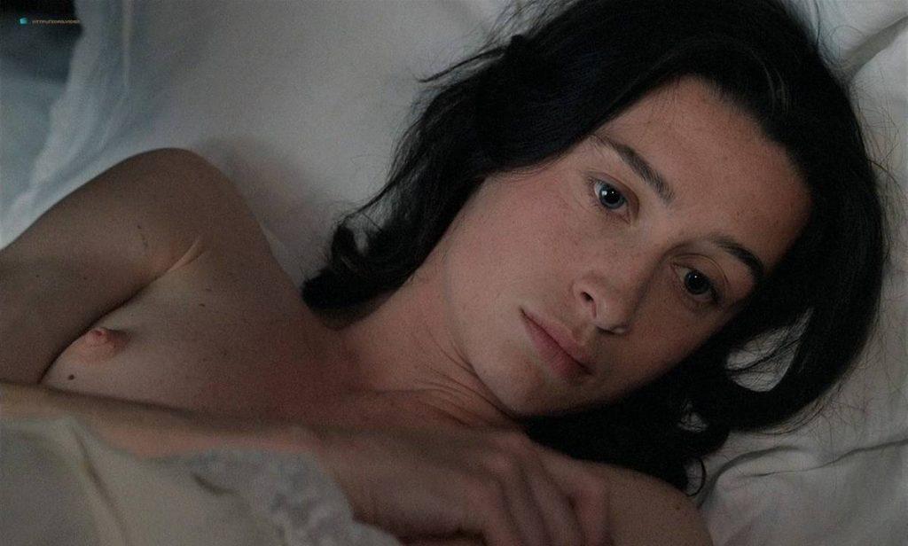 Anne Brochet nude full frontal and Carole Richert nude bush - Tous Les Matins Du Monde (FR-1991) HD 720p BluRay (7)